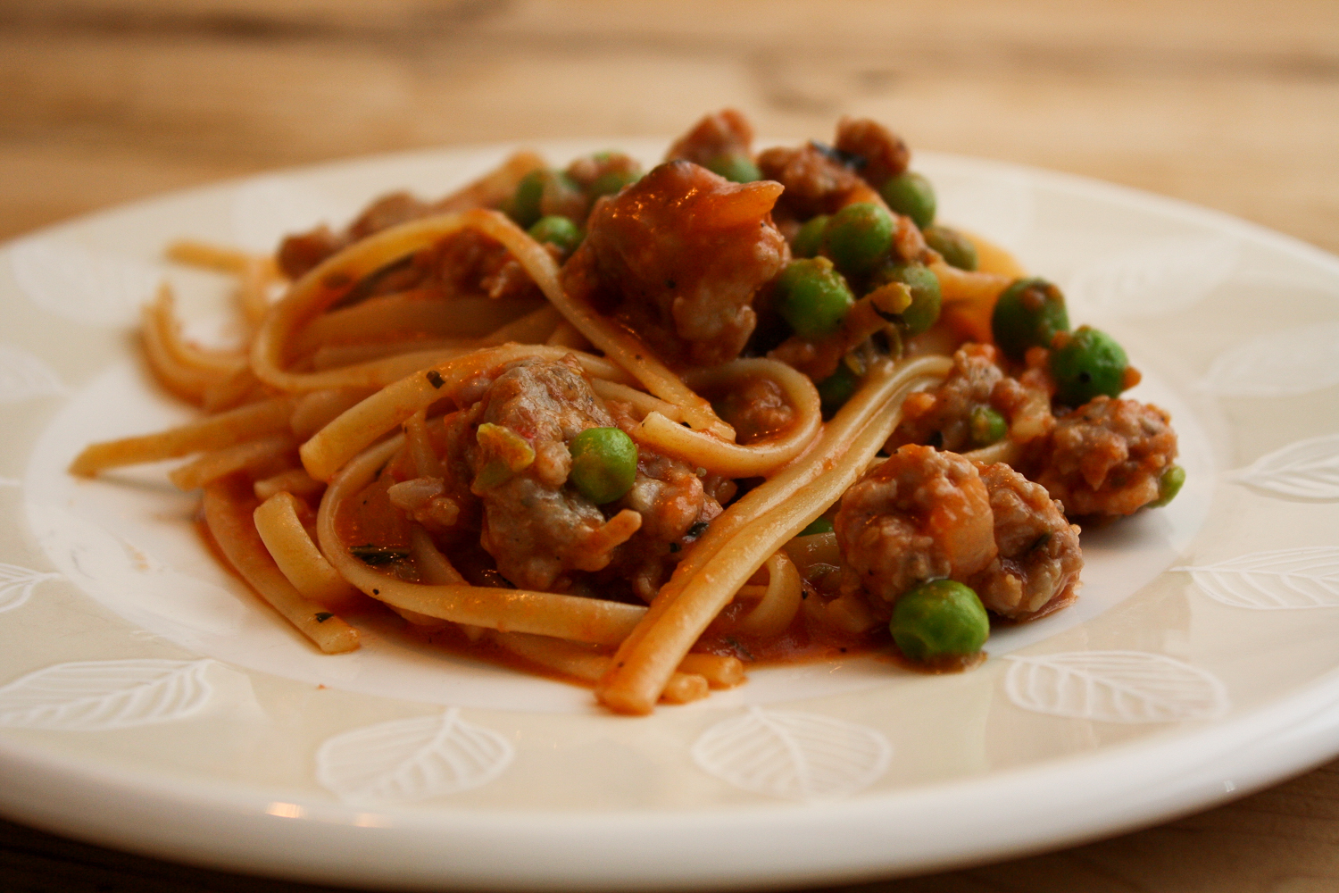 Spaghetti With Peas and Sausage